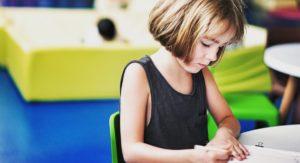 #44 - Les enfants apprennent-ils les langues plus facilement ?